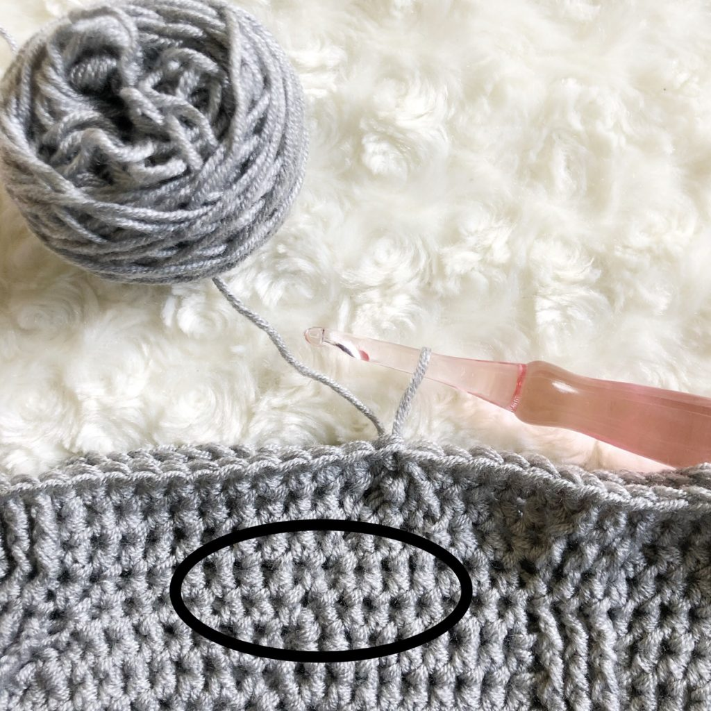 Crochet stitch tutorial for invisible slip stitch and chainless starting stitch